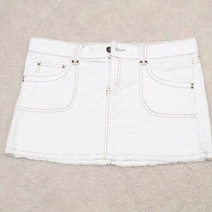women mini skirt ivory color size11 jordache